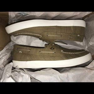 NEW Men 10.5 Sperry Wahoo 2-Eye Green Boat Shoes